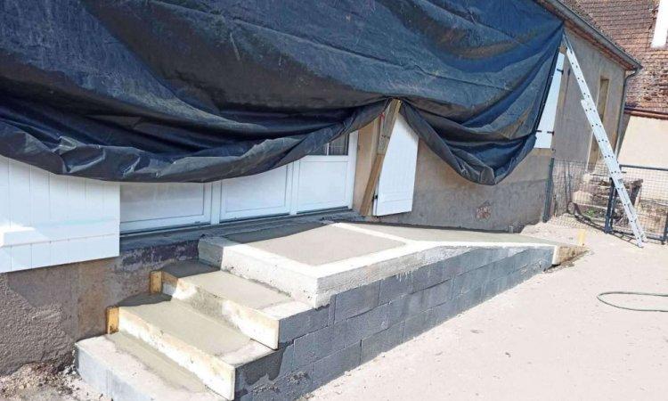 escalier + rampe d'accès  en cours de réalisation